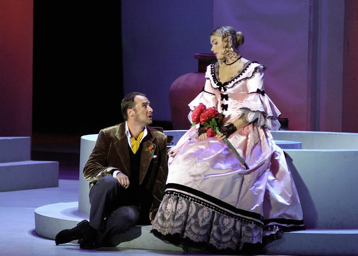 """Operą """"Meilės eliksyras"""" papuoš nuostabus Edgaro Montvido tenoras"""