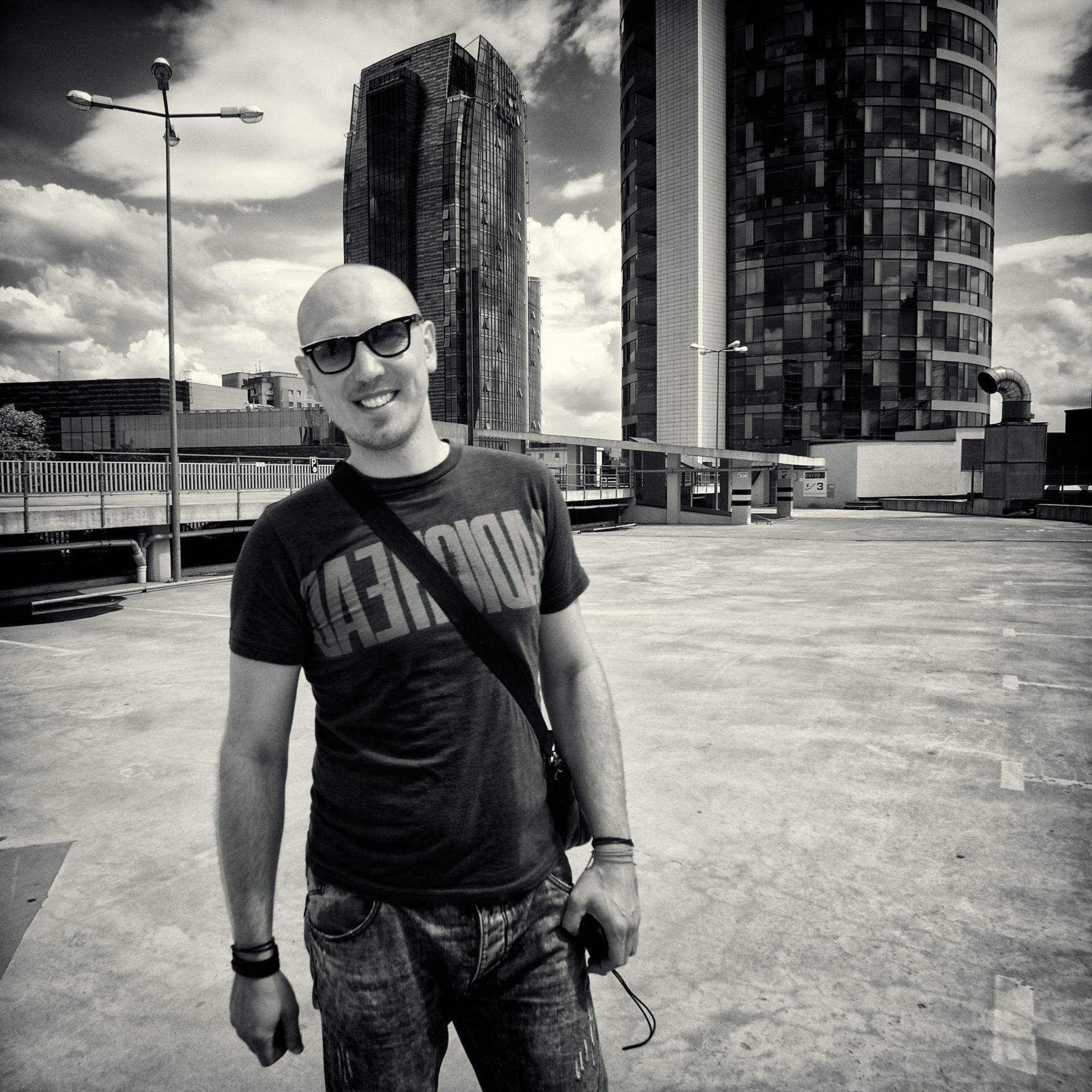 Muzikantų vadybininkas V.Stackevičius: tuo metu, kai mūsų kaimynai sutelkę jėgas veikia bendrai, lietuviai konkuruoja tarpusavyje