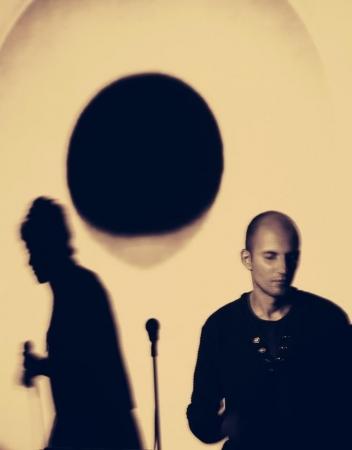 """Šokio, poezijos ir muzikos sintezė šokio projekte """"Melancholijos bokštai"""""""