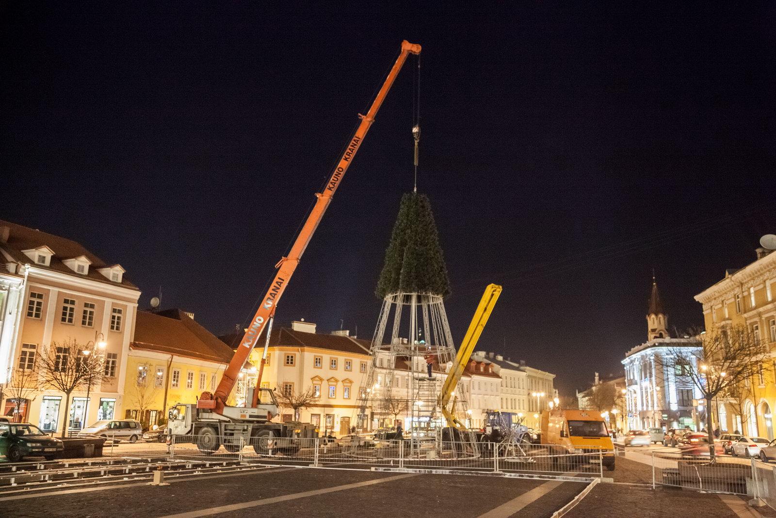 Per didžiąsias metų šventes – Kalėdų miestelis Katedros aikštėje, stebuklinga trimatė pasaka, 20 šventinių renginių