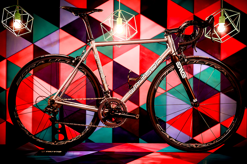 3 Suppresio_titanium_bicycle_with_campagnolo_super_record_groupset_bora_ultra_35_clincher_wheelset_deda_superleggero_components_01