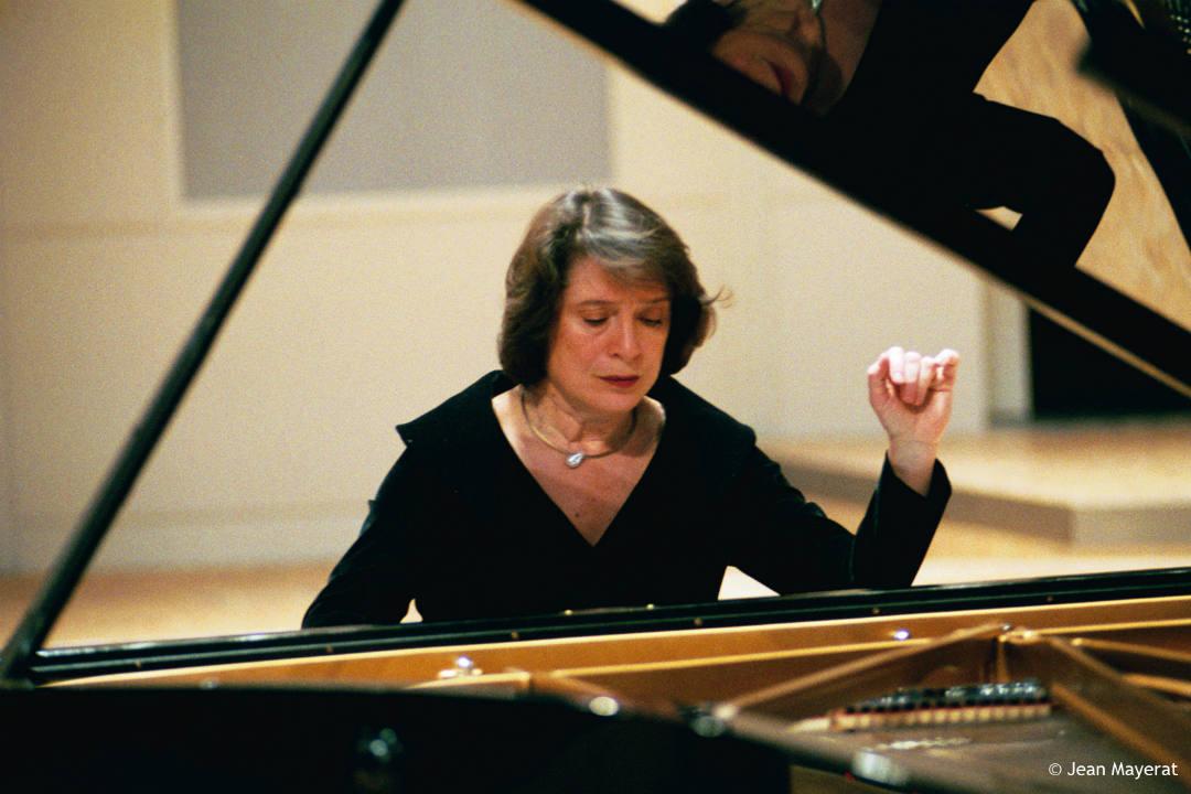 Vasario 14–ąją LNOBT koncertuos kuklioji fortepijono primadona – Elisabeth Leonskaja