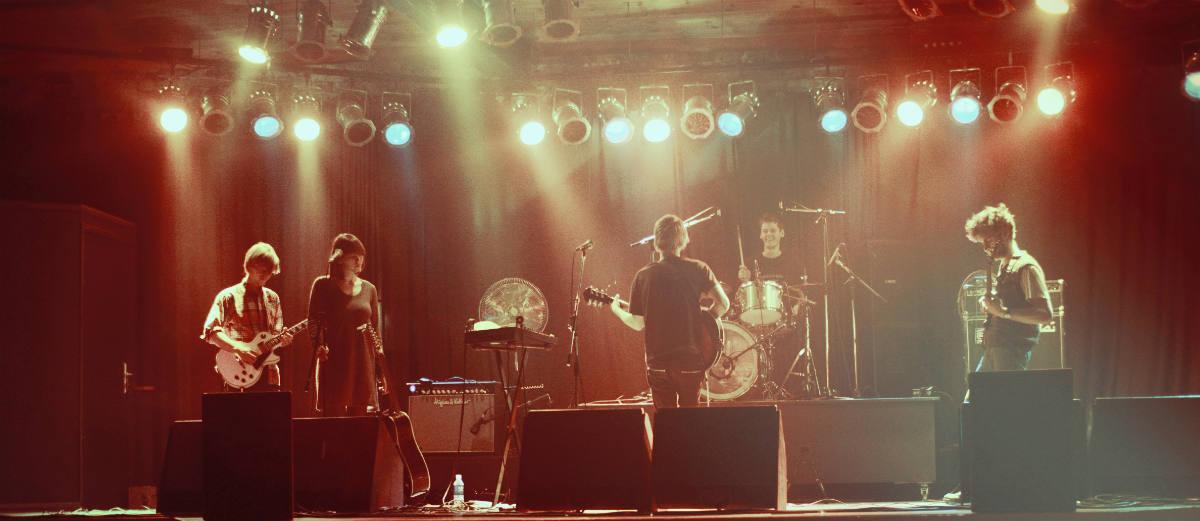 """Grupė """"Garbanotas Bosistas"""" skelbia paskutinį koncertą iki vasaros"""