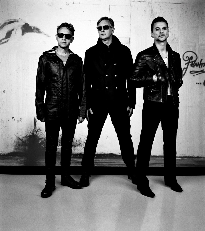 """""""Depeche Mode"""" koncerto užkulisiai: privatus lėktuvas, atskiri automobiliai ir ypatingas dėmesys ekologijai"""