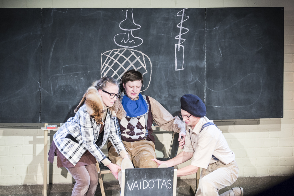 Keistuolių teatre - dovanos ir vaikystės prisiminimai