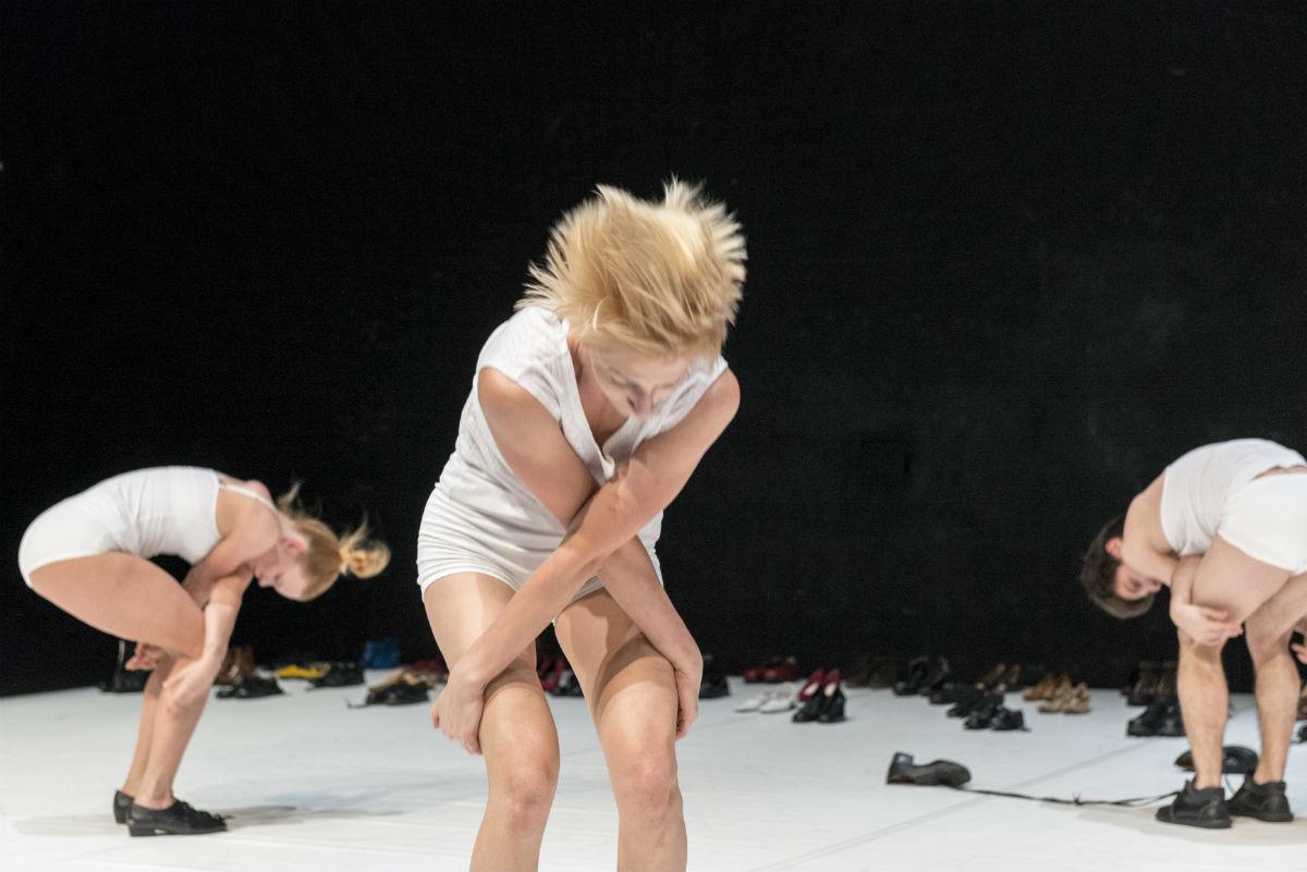 Eiti ar neiti (Teatras, nr. 45)