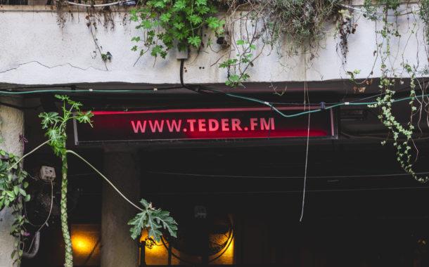 Muzikinės vieno šabo vakaro istorijos: turbomega LITA Tel Avivo kieme